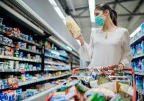 Казахстанцы тратят на еду более половины своих доходов и не умеют копить деньги
