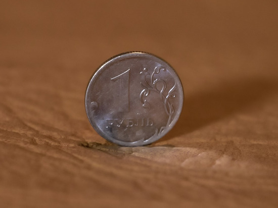Эксперт рассказал о неизбежной девальвации рубля