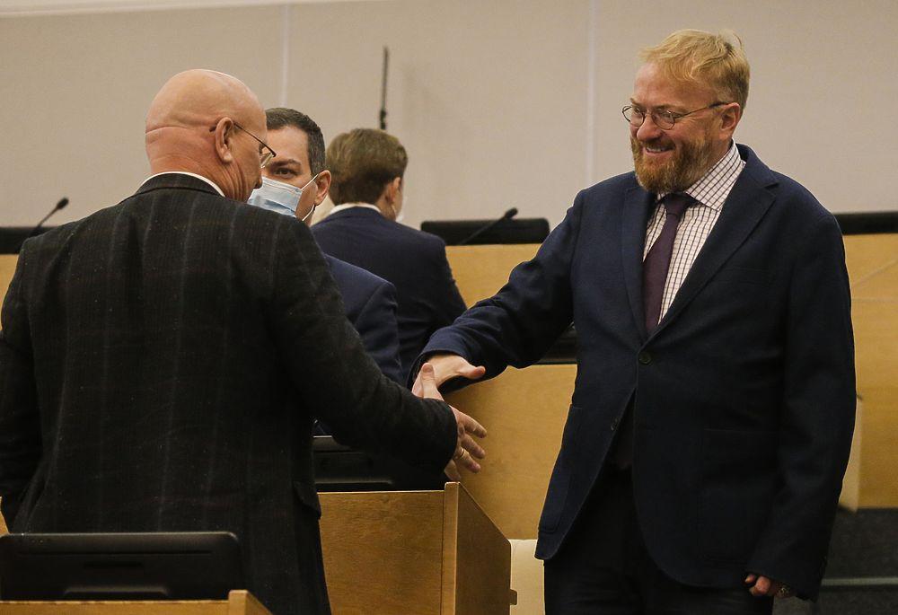 Жириновский раскритиковал депутатов за несоблюдение норм: кадры из Госдумы