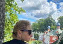 «Красота, да и только!»: Татьяна Навка в восторге от  Псково-Печерского монастыря