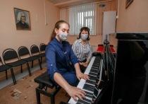 В музыкальные школы Ямала привезли новые инструменты