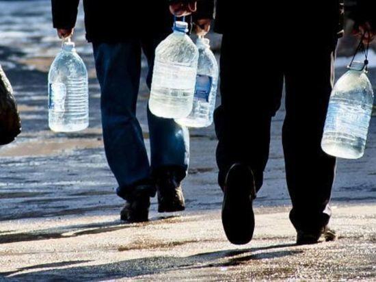 Алексей Текслер поручил купить 10 машин для подвоза воды в проблемные территории