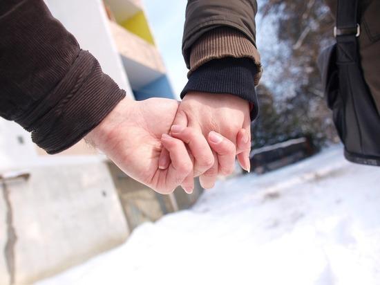 Психолог Михаил Лабковский рассказал, что держит мужчину рядом с женщиной