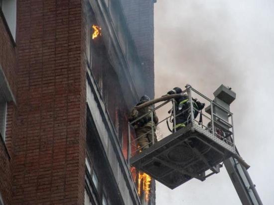 В Кирово-Чепецке горел многоквартирный дом