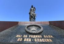 Журавли над «долиной смерти»: Ржевский мемориал поражает воображение
