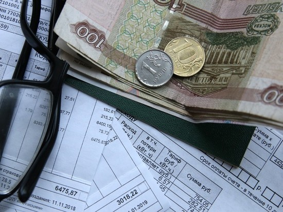 ВЦИОМ: почти половине россиян не хватает денег до зарплаты
