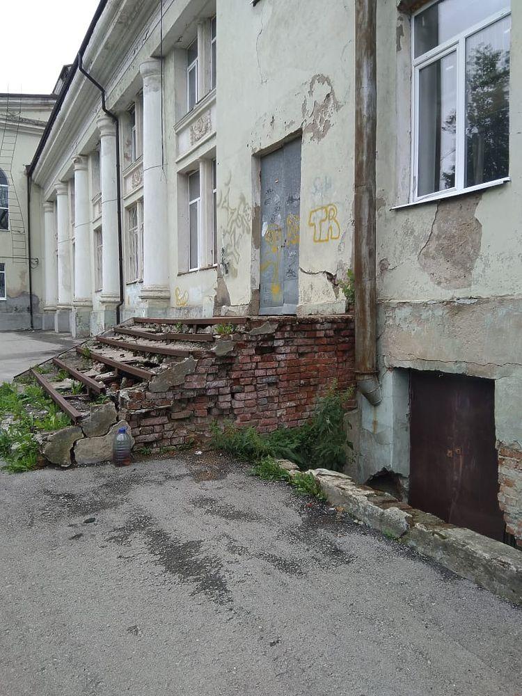 Губернатору Тульской области слукавили о ремонте ДК в Ясногорске