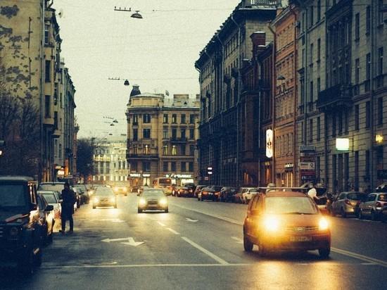 Власти Петербурга опровергли планы ввести платный въезд в центр