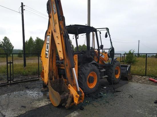 Житель Миасса поджег экскаватор стоимостью более 3,5 миллиона рублей