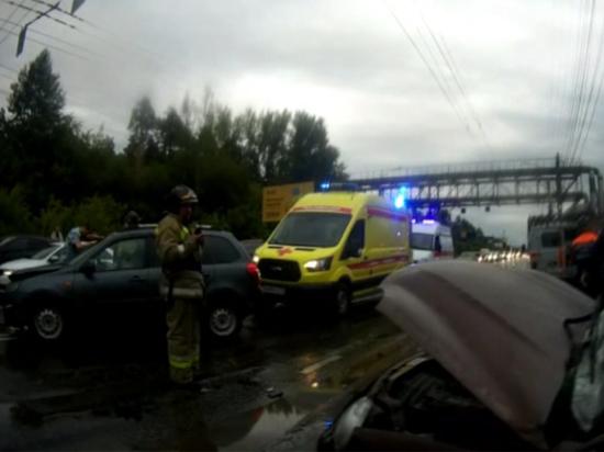 В Челябинской области столкнулись три автомобиля, есть пострадавшие