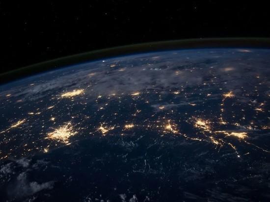 Песков: Россия привержена полной демилитаризации космоса