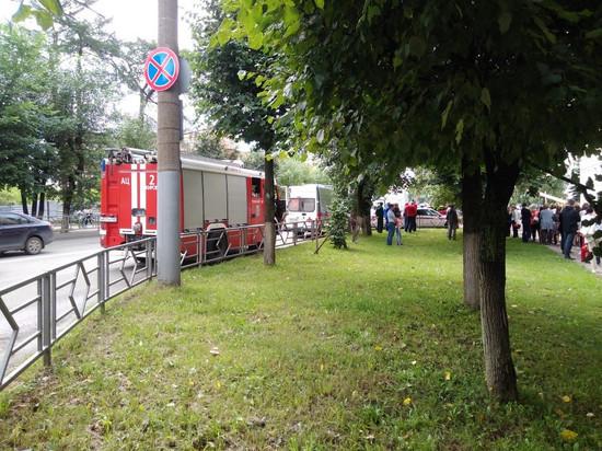 Кировских налоговиков эвакуировали из-за посылки