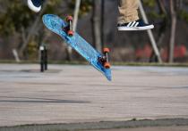 Из-за надписи, нанесенной в неположенном месте, охранник скейт-площадки в Москве едва не задушил 13-летнего подростка