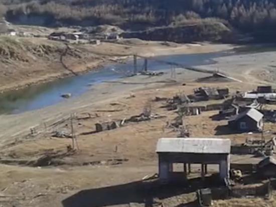 В Бурятии жители поселка вышли на субботник на заросший кустами аэродром