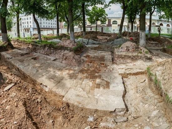 В Серпухове расчистили фундамент старинной церкви
