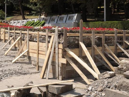 Ступени к «Вечному огню» в Ставрополе сделают противоскользящими