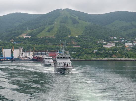 На Камчатке и во Владивостоке прошли парады в честь дня ВМФ