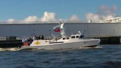 Перед началом военно-морского парада Путин на катере обошел строй кораблей
