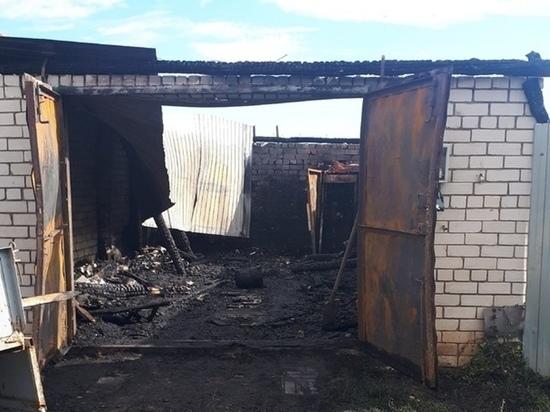 В одной из деревень Марий Эл сгорел гараж с автомобилем