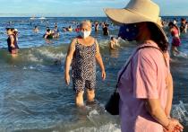 Власти Вьетнама собрались эвакуировать 80 тысяч человек - в основном туристов - из популярного курортного города Дананг после того, как три жителя дали положительный результат на коронавирус