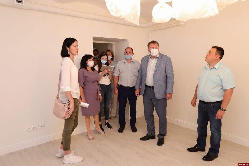 Уже в августе откроется отремонтированная музыкальная школа в Пскове, фото-1