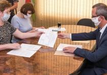 Шапша сдал подписи в свою поддержку на губернаторские выборы