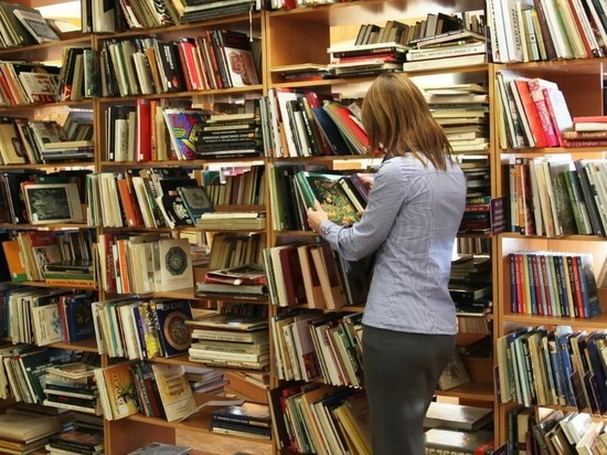 """Библиотеки обязали убрать из общего доступа книги """"18+"""""""