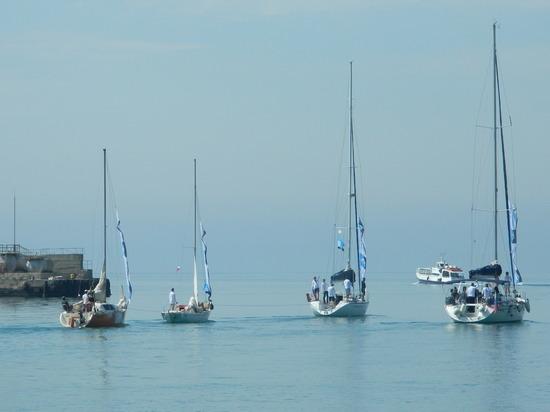 К крымским берегам прибыла парусная регата «КрыбИца», организованная для представителей туристических компаний России