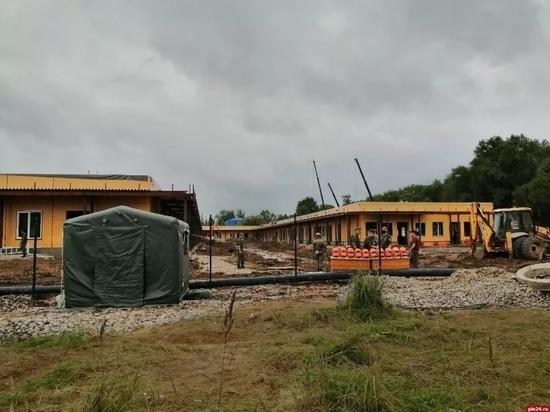 Темпы строительства новой больницы в Великих Луках оценил губернатор