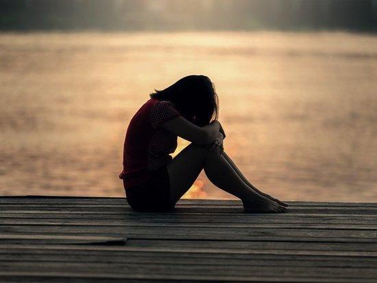 С мальчиками не встречалась, отличница: подробности о самоубийстве школьницы в Челябинской области
