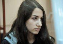 Процесс по уголовному делу о жестоком убийстве тремя сестрами Хачатурян своего отца стартовал в Бутырском суде Москвы