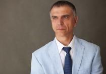 Григорий Вакуленко сдал подписные листы на губернаторскую кампанию в Приангарье
