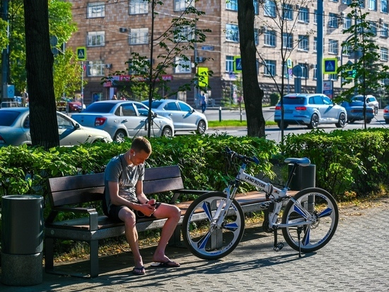 Челябинцам презентовали новые велопарковки