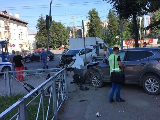 Велосипедист пострадал при столкновении иномарок в Йошкар-Оле