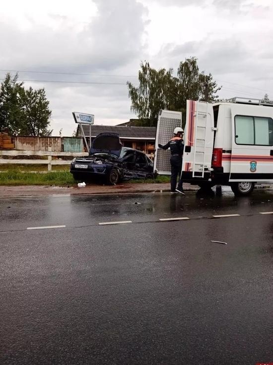 Резкое торможение стало причиной ДТП с пострадавшим в Неёлово