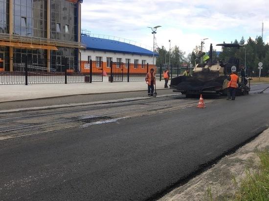 Кладут асфальт на пыль: жителя Надыма возмутила технология ремонта дороги
