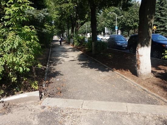 На улицах Йошкар-Олы продолжается ремонт тротуаров