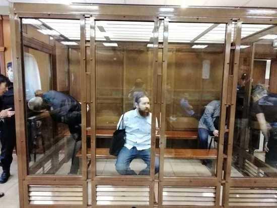Несмотря на странности в этом уголовном деле, присяжные Мосгорсуда  вынесли обвинительный вердикт всем троим подсудимым