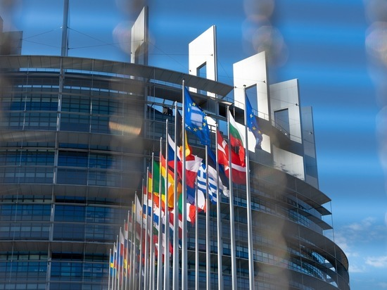 Коронавирус закрыл Европу: Евросоюз не пустит россиян до осени