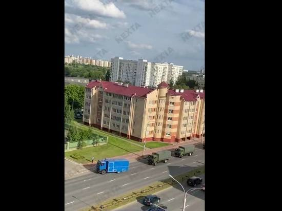 662bc2d92d4332e4c0532a3a3275688e - В Минск ввели военных и технику - политика