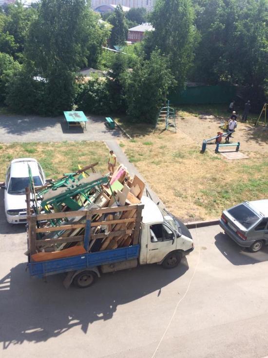 Куда и почему исчезают детские площадки из кемеровских дворов