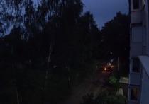 В службе такси прокомментировали инцидент с их машиной и скорой помощью в тверском дворе