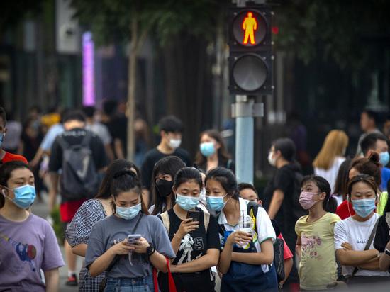 Эксперт назвал причину повторных вспышек коронавируса в Китае