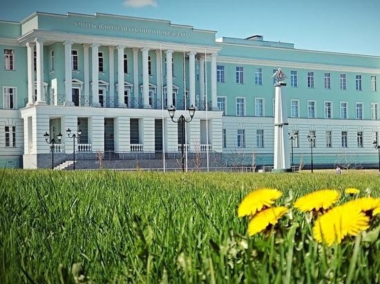 Более 100 детей зачислили в Президентское кадетское училище