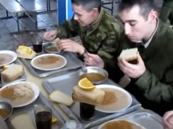 Российская армия получила арктические полевые кухни и цистерны