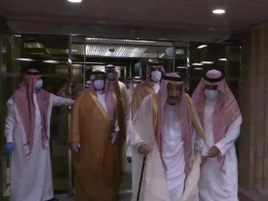 Короля Саудовской Аравии выписали из больницы