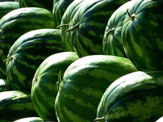 Красноярцам рассказали, как выбрать вкусный и спелый арбуз