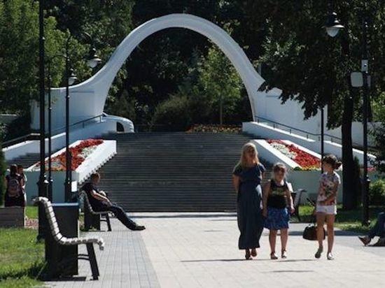 В казанском «Черном озере» приступили к ремонту Арки влюбленных