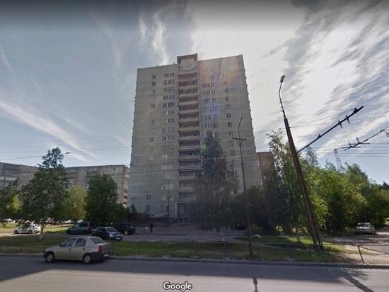 В Петрозаводске из окна 16-этажного дома выпал мужчина