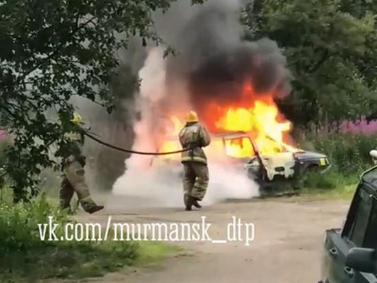 На улцие Бондарной горел автомобиль